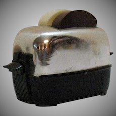 Vintage Novelty S&P Shakers Toaster 1950-60s Good Condition