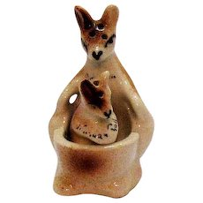 Vintage Novelty Kangaroo S&P Shakers Niagara Falls 1950s Good Condition
