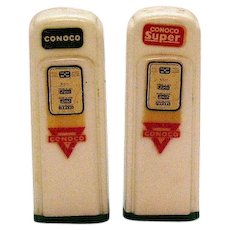 Vintage Novelty Plastic Gas Pumps S&P Shakers 1950s Conoco Mendota Ill. Good Condition