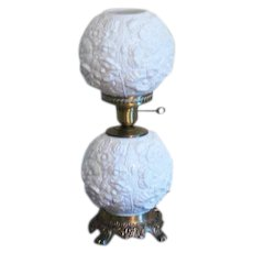 Vintage Fenton Milk Glass Electric Hurricane Lamp Poppy Motif 1968-72 Works Good Condition