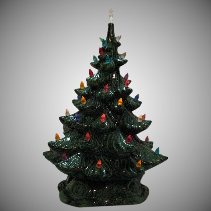 vintage atlantic mold ceramic christmas tree lights up faux plastic lights good condition
