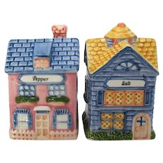 Vintage Avon Ceramic S&P Shakers Look like Cottages 1997 No Damage Never Used