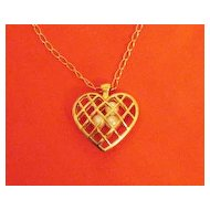 50% Off Vintage Signed Avon Capture Your Heart Necklace