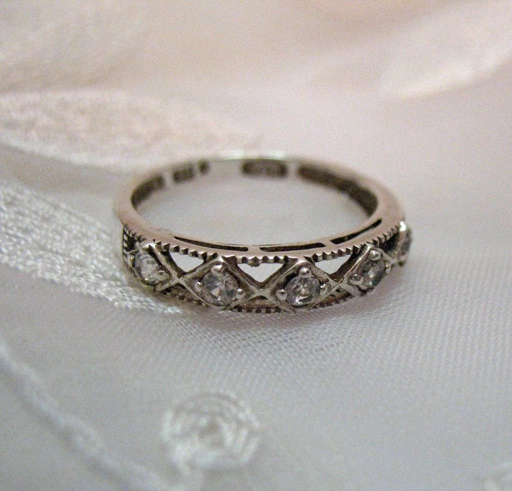 50 Off Vintage Signed Avon Of Belleville Sterling Cz Ring