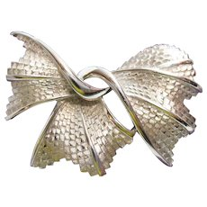 Lovely Signed Vintage Crown Trifari Silver Brooch