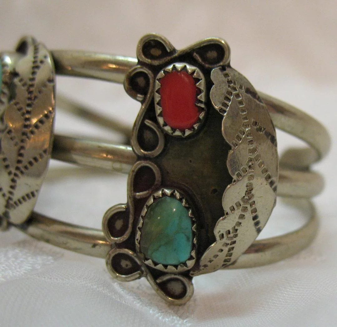 Vintage Native American Indian Sterling Silver Cuff
