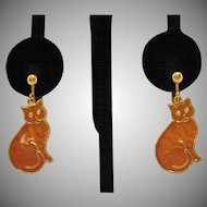 Darling Vintage Enameled Kitty Cat Dangle Clip Earrings