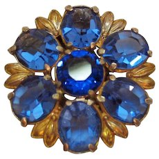 Beautiful Vintage Cornflower Blue Sapphire Oval Glass Stone Fur Clip