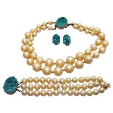 Unsigned Reja Vintage Parure Molded Green Glass Jade Cream Necklace Bracelet Earrings Set