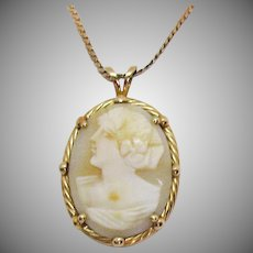 Vintage Signed 14K Italy *405 AR Angel Skin Coral Gold Cameo Pendant Necklace