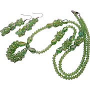 Gorgeous Vintage Peridot Green Glass Beaded Necklace Pierced Earrings Set Unworn