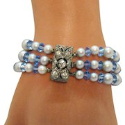 Gorgeous Vintage Three Strand Glass Pearl Rhinestone Clasp Bracelet