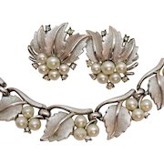 Gorgeous Signed Crown Trifari Vintage Necklace Earrings Set Silvery White Faux Pearl Rhinestone