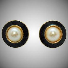 Signed Richelieu Vintage Classic Glass Pearl Black Enameled Clip Earrings