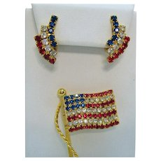 Gorgeous Vintage Red White Blue Rhinestone Americana Flag Brooch Clip Earrings Set