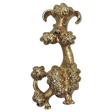 BOOK Adorable Signed Avon 'Poodle' 1972 Vintage Golden Dog Brooch