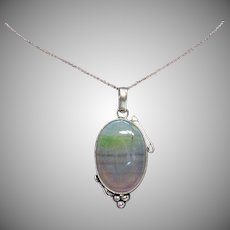 Hand Crafted Vintage Sterling Silver Translucent Agate 925 Pendant Necklace
