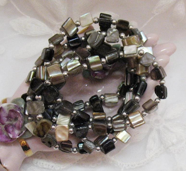 Gorgeous Mother Of Pearl Silver Beaded Vintage Stretch