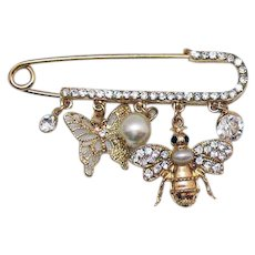 Amazing Vintage Sparkle Large Safety Pin Rhinestone Figural Bumble Butterfly Charm Brooch