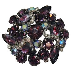 Gorgeous Vintage Unsigned Weiss Tiered Purple Glass Rhinestone Brooch