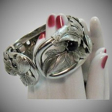 Unusual Signed Whiting Davis Vintage Onyx Silvery Hinged Cuff Bracelet