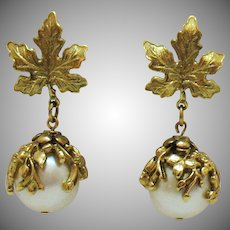 Gorgeous Bold Vintage Faux Pearl Dangling Floral Pierced Earrings
