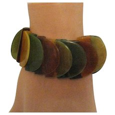 Unusual Vintage Flat Disc Lucite Swirl Stretch Bracelet