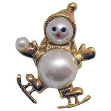 Adorable Vintage Faux Pearl Figural Snowman Ice Skater Snow Ball Clutch Pin