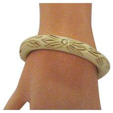 Vintage 1930s Bakelite French Ivory Floral Carved Bangle Bracelet