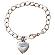 Wonderful Vintage Signed 925 Sterling Charm Bracelet Heart Charm