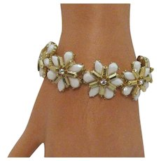 Vintage Faceted Milk Glass Tear Drop Stone Rhinestone Stretch Bracelet
