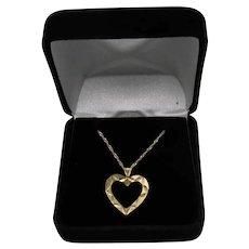 Sparkling Etched 14 K Gold Italy Vintage Heart Pendant Necklace FREE SHIPPING