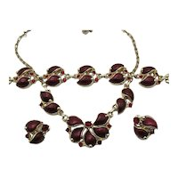 Stunning Vintage Costume Unsigned Parure Cherry Red Rhinestones Thermoset Necklace Bracelet Earrings Set
