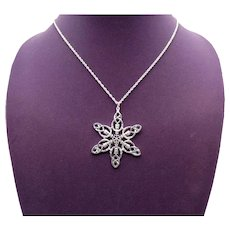 Vintage Costume Jewelry Bold Winter Silvery Snowflake Pendant Necklace