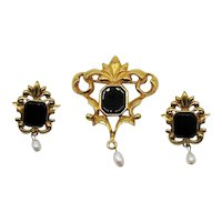 BOOK Gorgeous Signed Avon 1995 Vintage Genuine Onyx Pearl Brooch Pierced Earrings Set UNWORN