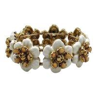 50% Off Fabulous Vintage White Floral Molded Glass Flower Stretch Bracelet
