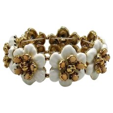 Fabulous Vintage White Floral Molded Glass Flower Stretch Bracelet FREE SHIPPING