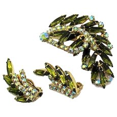 Spectacular Green and Aurora Borealis Super Sparkling Vintage Rhinestones Layered Brooch Clip Earrings Crawlers Set