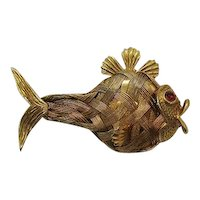 Very Unusual Vintage Figural Golden Wire Fish Brooch FREE SHIPPING