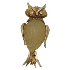 Mid Century Carved Figural Jelly Belly Lucite Owl Vintage Brooch FREE SHIPPING