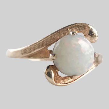 Shimmery 1950s Vintage Opal and 10k Gold Ring