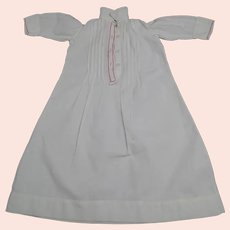 Lovely early 20th century baby nightdress - Embroidered cotton - Mother-of-pearl buttons - Suitable for doll (big size)