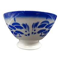 Vintage footed soup bowl - Earthenware - Signature - Parrots pattern - Rare and collectible bowl