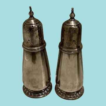 Vintage Rogers, Lunt, Bowlin RLB Sterling silver salt & pepper shakers.