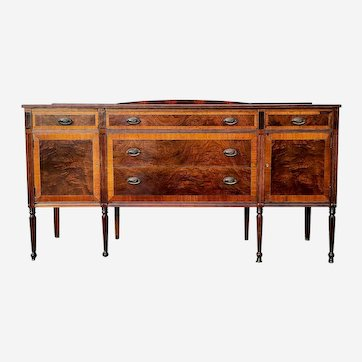 Federal Hepplewhite sideboard buffet mahogany with two keys early 1900s
