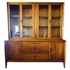Mid century China Hutch / buffet/ display cabinet by Drexel 1960s