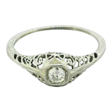 1930s Art Deco 14k Solid White Gold 0.15ctw Diamond Filigree Band Ring