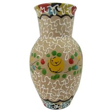 Italian pottery vase by Fratelli Fanciullacci. Baluster vase in beige with high gloss accents and white slip trails