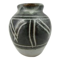 Winchcombe studio pottery posy vase. Olive green vase with geometric pattern