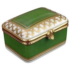 Limoges Dubarry Porcelain de France Green and Gold Pill Box
